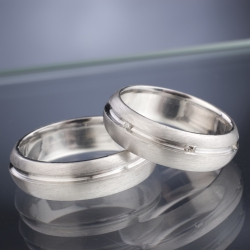 Wedding Rings with Diamonds model nr. SN33