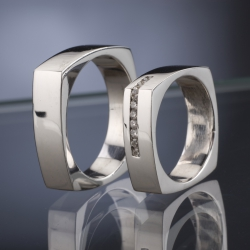 Wedding Rings with Diamonds model nr. SN37
