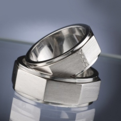 Wedding Rings with Diamonds model nr. SN41