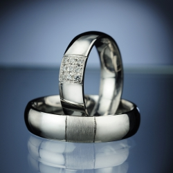 Wedding Rings with Diamonds model nr. SN72