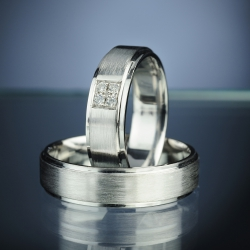 Wedding Rings with Diamonds model nr. SN77