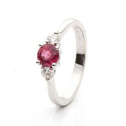 Ring with Ruby and Diamonds model nr. 0128