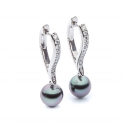 Earrings with pearls model nr. 0062