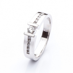 Platinum Ring with Diamonds model nr. 0145