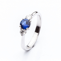 Ring with Blue Sapphire and Diamonds model nr. 0128