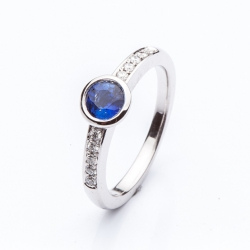 Ring with blue sapphire model nr. 0129