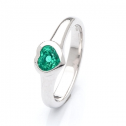 Ring with emerald Heart