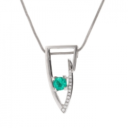 Pendant with Emerald model nr. 0235
