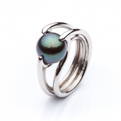 Platinum ring with Tahitien pearl model nr. 0105