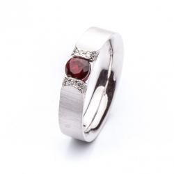 Ring with Bohemian Garnet model nr. 0114