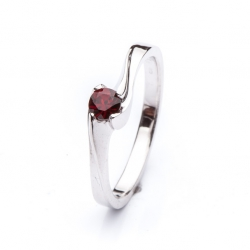 Ring with Bohemian Garnet model nr. 0131