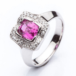 Ring with Pink Sapphire model nr. 0161