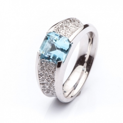 Ring with Aquamarine model nr. 0164